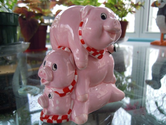 three pigs stack